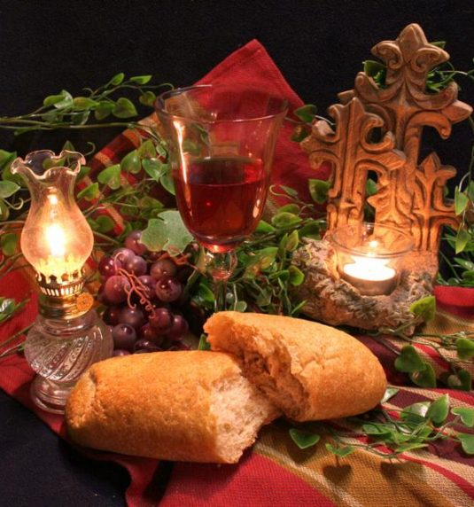 Christmas Eve – 8:00 PM Candlelight & Communion Service